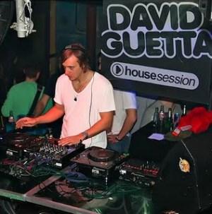 David Guetta Spinning